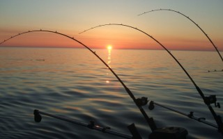 lake-micigan-sunrise-fishing